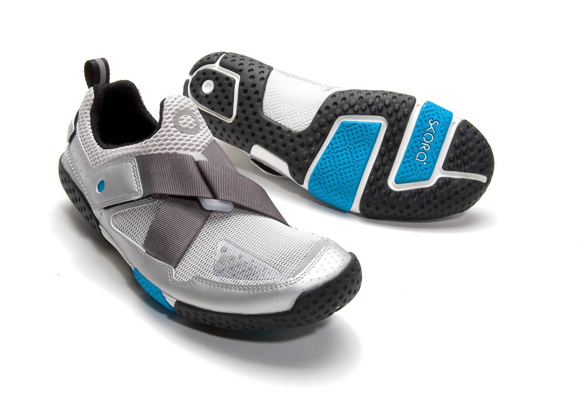 Skora-Base-Running-Shoes