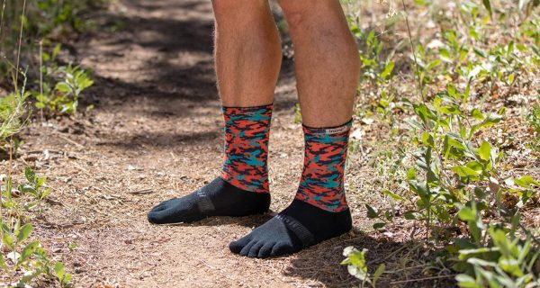 Injinji Trail Crew Midweight Running Toe Socks (Camo) - Lifestyle
