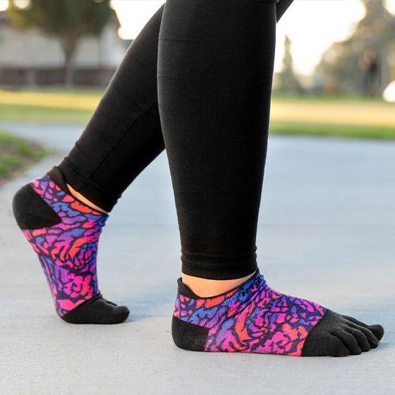 Injinji Womens RUN Lightweight No-Show Running Toe Socks (Lavender) - Lifestyle