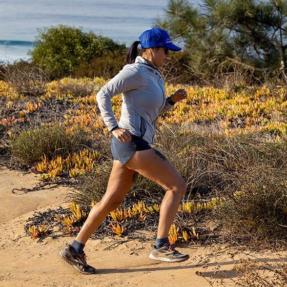 Injinji Womens Ultra Run Mini Crew Toe Running Socks (Dew) - Lifestyle