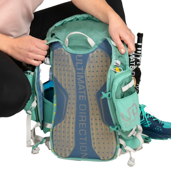 Ultimate Direction FASTPACKHER 20 - 20L Running Backpack for Women - Emerald - Model Straps